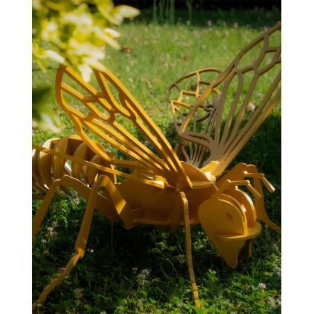 Insecte géant - ABEILLE